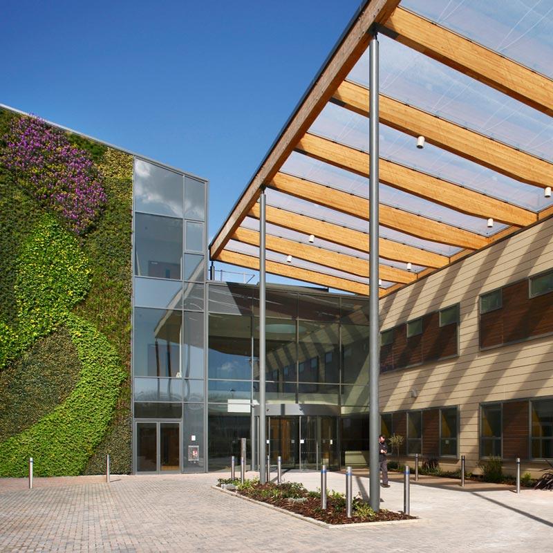 photo of Kims Hospital entrance